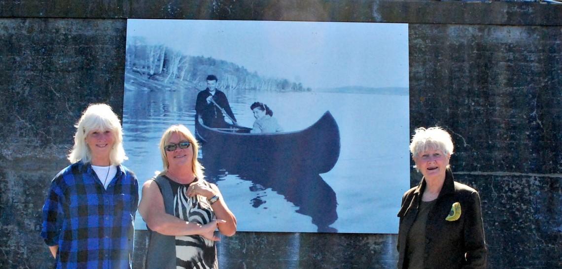 swing bridge mural