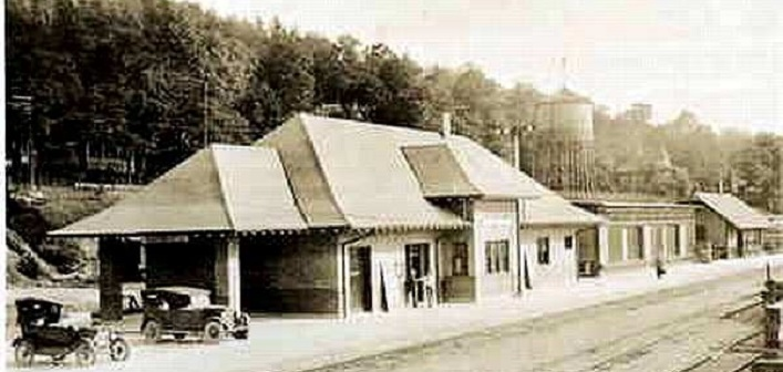 Huntsville's CNR station ca. 1930. It was built in 1924. (Image: Muskoka Digital Archives)