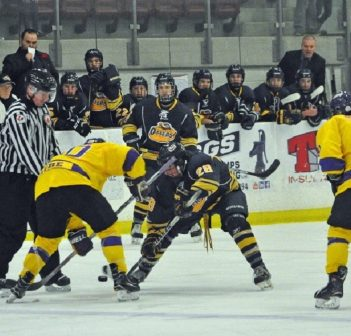 One win and two losses in three-game weekend for Junior C Otters