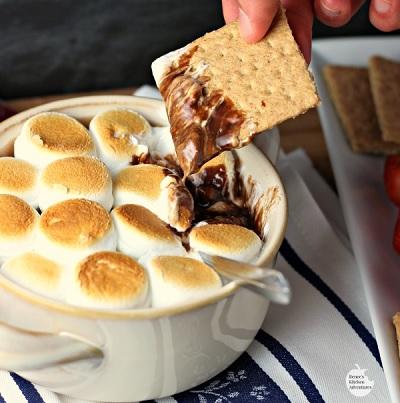 Deconstructed s'mores fondue (Photo: reneeskitchenadventures.com)