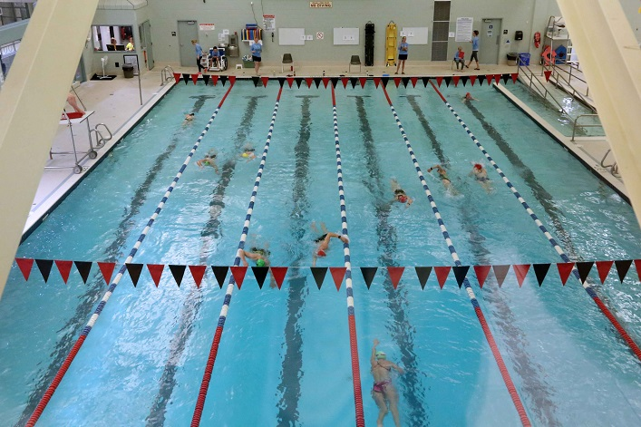 Each wave in the TriMuskoka Winter Indoor Triathlon has no more than twelve participants.