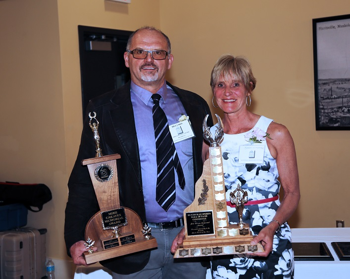 Bill Coon (left) and Karen Litchfield received the Mike Greaves and Jan Glenn awards respectively for sports volunteerism (Photo: Don McCormick)