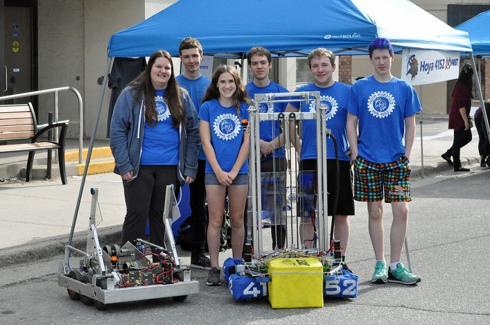 Hoya Robotics (from left) Amber Daultrey, Oliver Byl, Sarah Webster, Samuel Topps, Nolan Meehan, and Morghan Kiverago