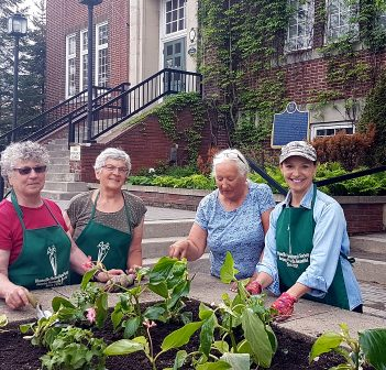 Huntsville Horticultural Society volunteer gardeners (from left) Donna Griffin-Smith, Rosemarie Toelke, Patricia Axbage and Terri Yocom (Photo: Dawn Huddlestone)