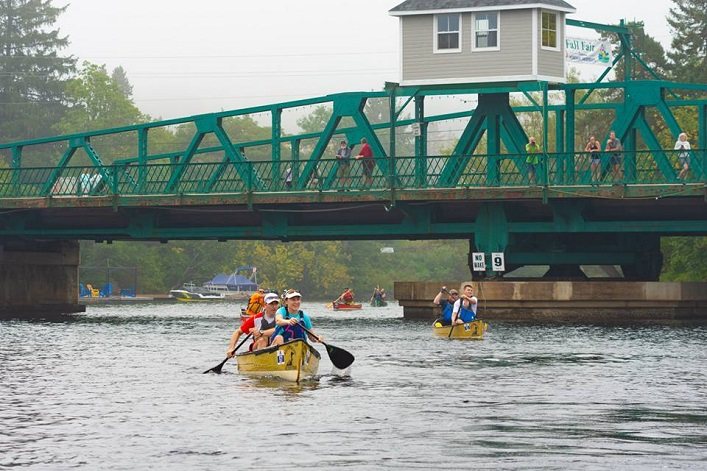Paddlers pass under the swing bridge headed for the turnaround at the Huntsville Town Dock (Photo: Randy Mitson)