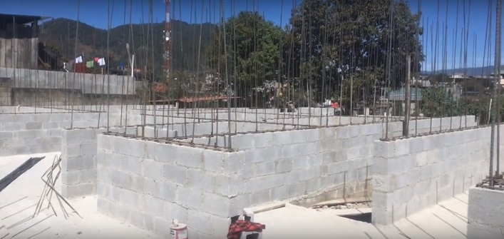 Hospital in Nebaj Guatemala under construction in March 2018 (Screenshot from a video by alexistaylormusic / YouTube)