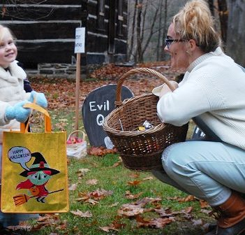 Elsa (a.k.a. Eleanor Miller) shares a laugh with Erica Cole at the Witches' Graveyard on MHP's Great Pumpkin Trail