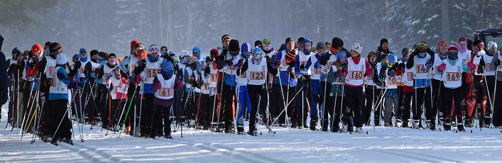 The 5k racers line up at the start for the 2019 Muskoka Loppet