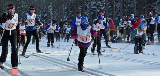 The 5k skiers glide out of the start at the 2019 Muskoka Loppet