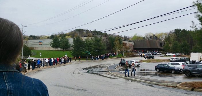A long line of ticket holders wait to be let into the May 19 Snoop Dogg concert at the Canada Summit Centre (supplied)