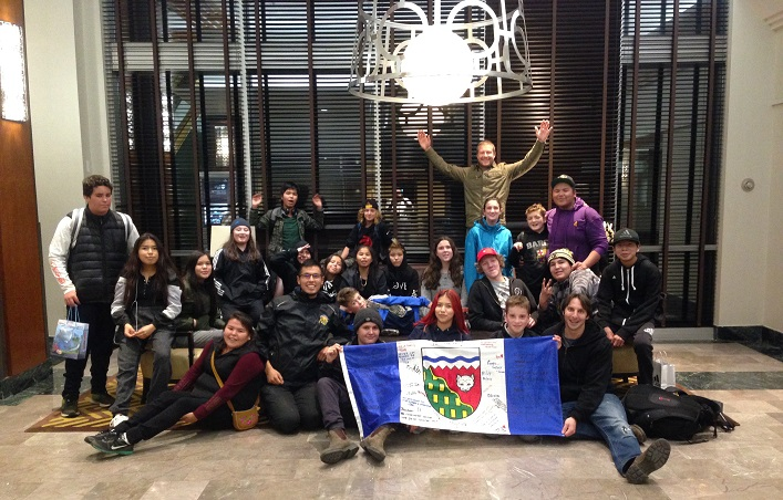 The Tawingo and Deh Gáh students gathered for one last group photo. Tawingo may continue the exchange with a visit to Fort Providence in the spring (Fraser McTurk)
