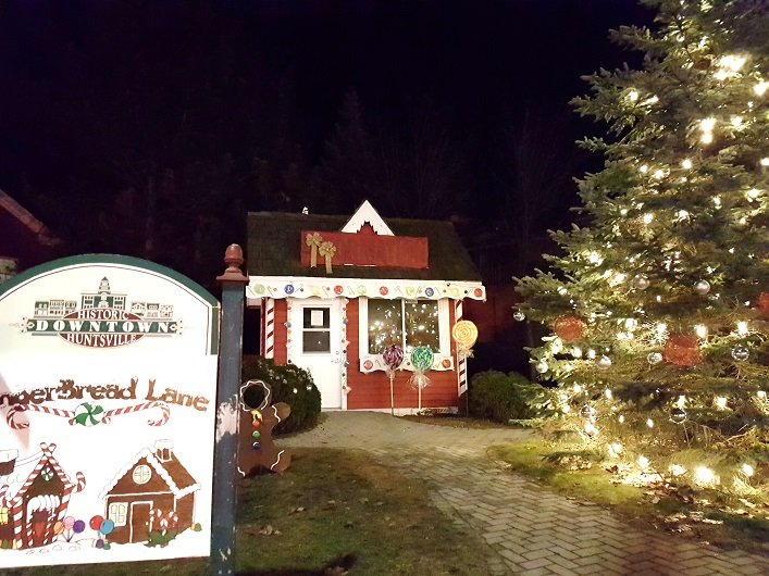Kent Park became Gingerbread Lane for the parade