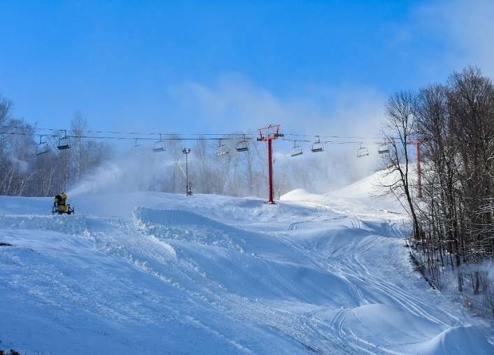 Snowmaking has been going strong on the Flying Dutchman at Hidden Valley Highlands Ski Area (HVHSA)