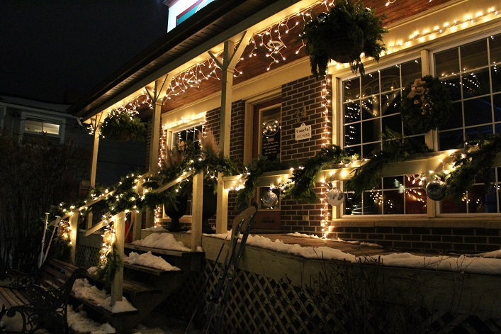 Jerrett enlisted the help of the Lake of Bays Garden Centre to create a beautiful winter scene