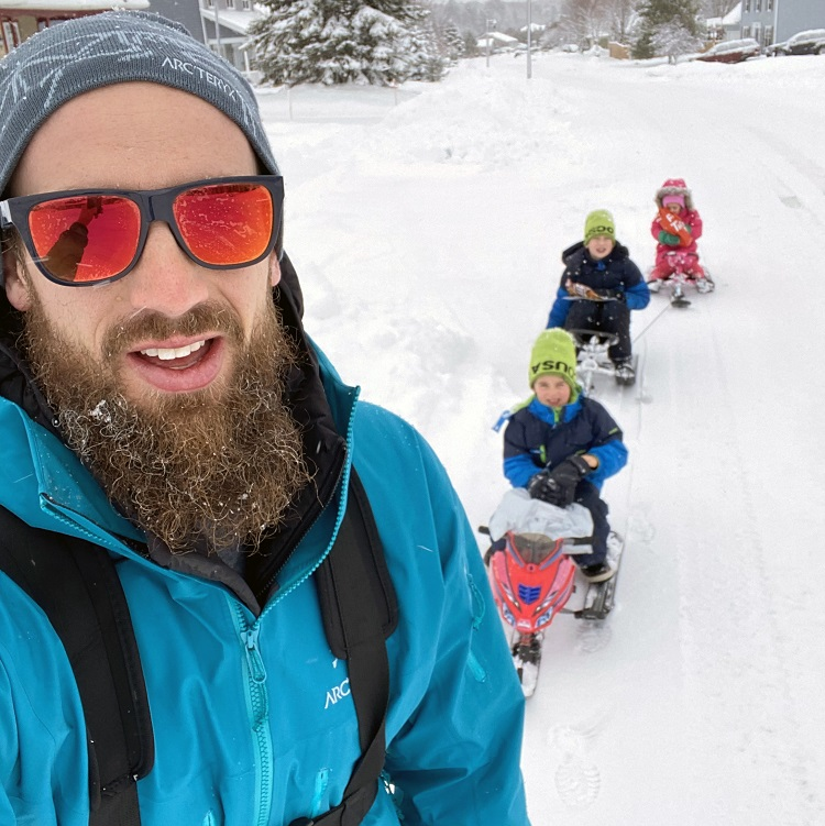 Chad Barber out training with his three kids (Chad Barber)