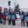 Teachers walk the picket line outside Huntsville Public School on Jan. 21, 2020 (Laura MacLean / Huntsville Doppler)