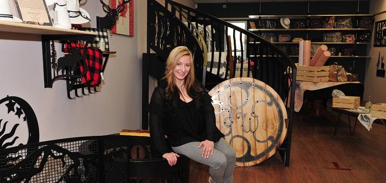 Jewel Keeter at The Friendly Fox (Heather Douglas)